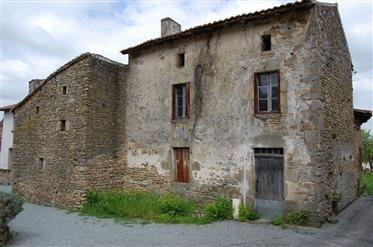 Two beautiful stone houses to renovate entirely in a quiet hamlet in Limousin