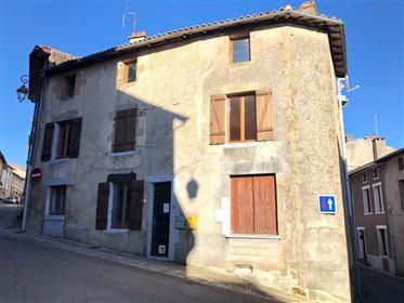 Maison de village en plein coeur de Chateauponsac
