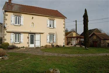 Very well presented hamlet house, close to fursac and la souterraine, with 4294m ² of land: two boxe