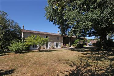Belle Maison En Pierre Avec Terrain De 6 695M2, En Trés Bon État