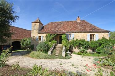 Truly stunning Manoir, with magnificent English gardens, fabulous pool area & converted bread oven f