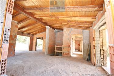 Villa da ultimare vicino San Pantaleo