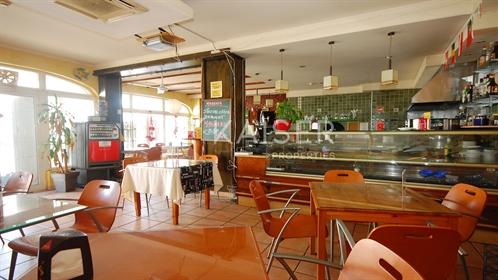 Restaurant / Snack-Bar sur une route très fréquentée en A