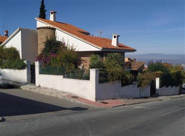 Bonita Casa-Chalet En Granada (Barrio De Monachil)