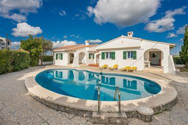 2 villas individuelles avec piscine partagée à Calan Porter