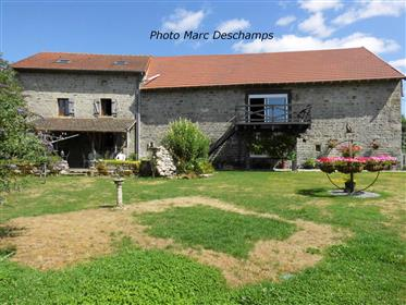 Maison rénovée avec grange, 240m² habitables, 5 chambres, su...