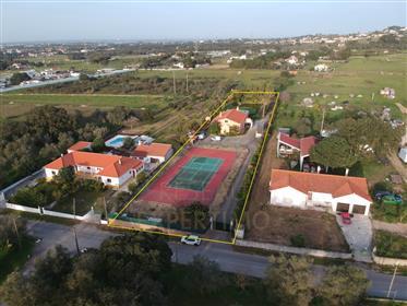 Quinta Com Campo De Ténis Em Palmela