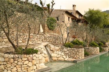 Maison de Bâle, Campello sul Clitunno