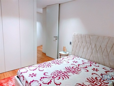 Luxurious apartment of type T2 with 148 m2, completely new, very well located near the bat
