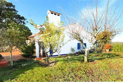 Property with 2600 m2 and Villa T4 with about 168m2 and ground floor. Charming Villa with