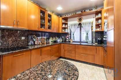 Fantastic 5 Bedroom Villa With Garage And 4 Studio Easy Profitability To Take In TOMAR