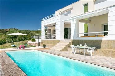 Splendide villa avec piscine e vue sur la mer