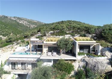 Fantastic Hillside Villa