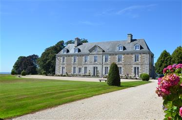 Authentic 18th century chateau in perfect condition, set in 16.7 hectares