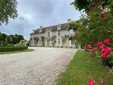 Manor in very good condition 10 minutes from Caen