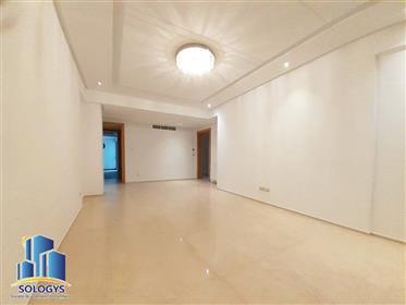 Apartment: 166 m²