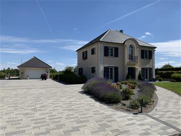 Luksuzna nekretnina : 250 m²