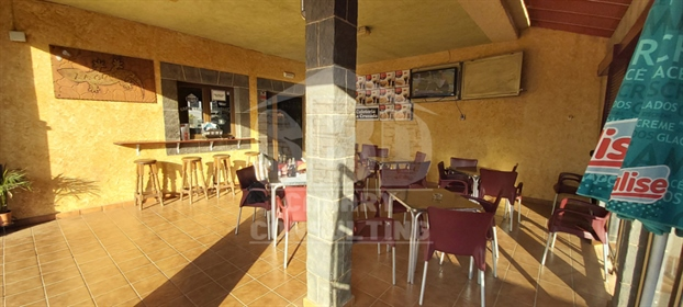 Bar Cafeteria Fondo y Muros
