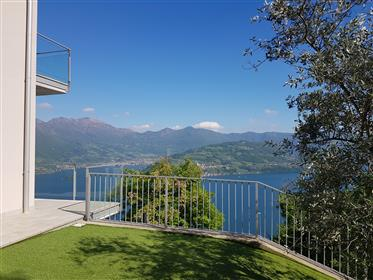Wonderful new property with an amazing view of Lake Iseo lan...