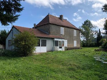 Dans un cadre champêtre, belle maison de campagne avec vue !