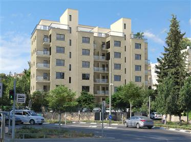 Penthouse de 3 pces à Kiryat Moshé (Bld Herzl).