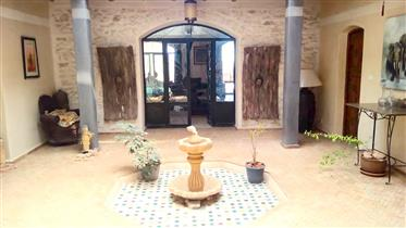 Villa avec piscine, 4/5 chambres, campagne