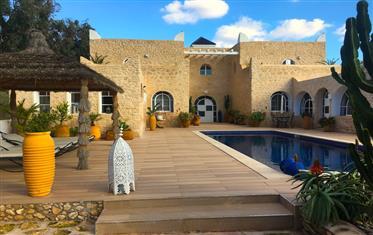 Unique : Villa, achat immobilier de type maison d'hôte, 5 ch...