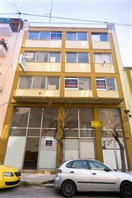 Edificio de 5 plantas en Kolonos