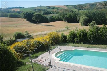 Beautiful stone country house with swimming-pool, Auditore