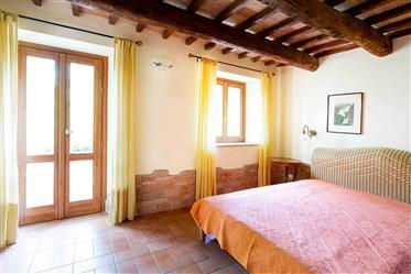 Villa a Tre Castelli con uliveto
