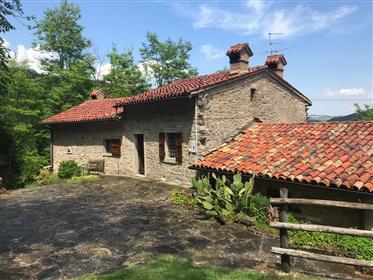 Stone farmhouse near Borgo Pace