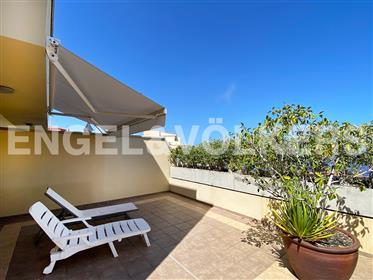 Duplex con terraza y vistas al mar