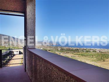 Chalet mirador con terrenos en Güímar