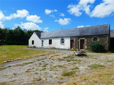 Rare opportunity ! farmhouse and outbuildings to renovate on 2 hectares