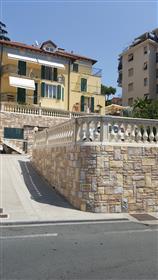 Sanremo (Im) Italia- mansarda 60mq