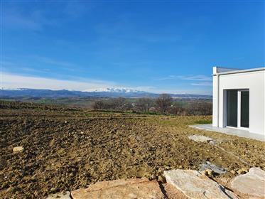 * presale price* New bioclimatic villa with sea view