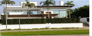 Luxury Mansion 4Suites in Condominium Jurere Internacional B...