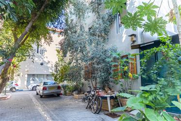 Urban Villa, Neve Tzedek, just 550 meters from the sea.