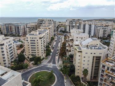 Mini Penthouse, North Tel Aviv, Nofei Yam, Streichman street