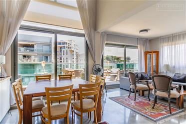 Duplex/Penthouse North Tel Aviv, Nofei Yam, Marc Chagall street