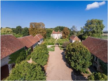 En Brenne Château + Depend T.B. Etat