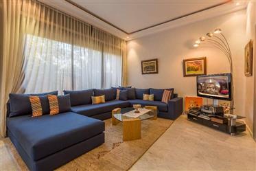 Sublime villa contemporaine titrée à vendre à Targa