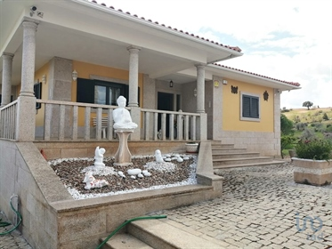 Villa located next to the International Douro Natural Park, ...