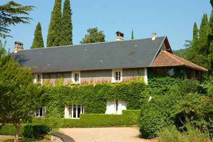 Exceptional Domain in a touristic region with rental appartm...
