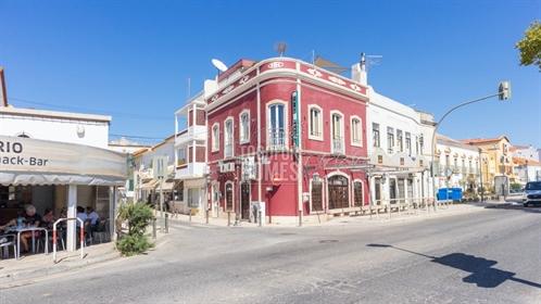 Restaurante e Bar de Tapas, muito popular, com 2 estúdios em localização privilegiada, Silves