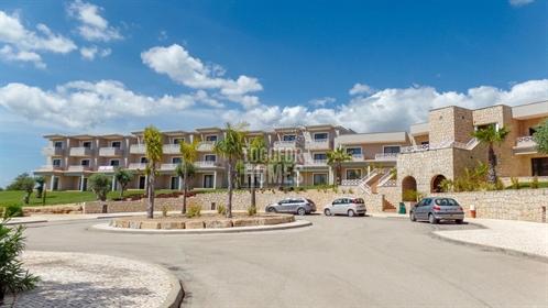 Apartamento Duplex T1, totalmente novo, Golf Resort, perto d...