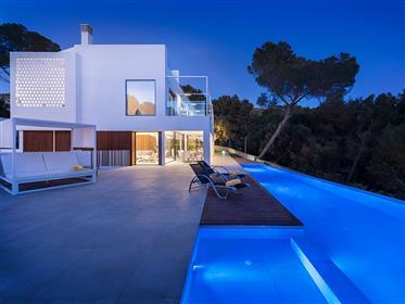 Spectacular Sea View Villa For Sale In Bonaire