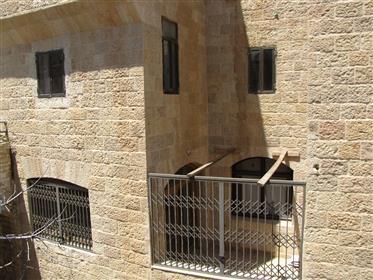 5 chambres dans le quartier juif