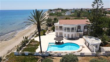 Luxury Villa For Sale In Iskele Bogaz Suitable For Commercial Use