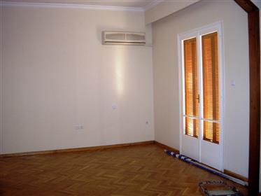 Κατοικία : 220 τ.μ.